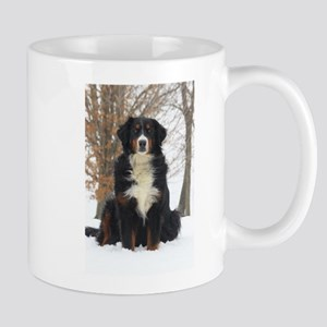 Berner in Snow Mugs