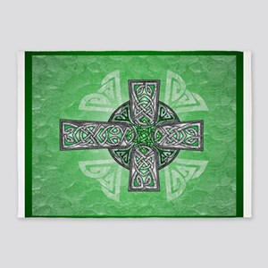 Traditional Celtic Cross Green 5'x7'Area Rug