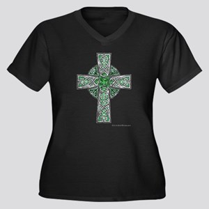 Traditional Celtic Cross Green Plus Size T-Shirt