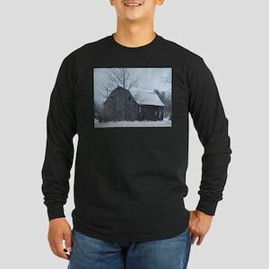 Old Barn in Winter Long Sleeve Dark T-Shirt