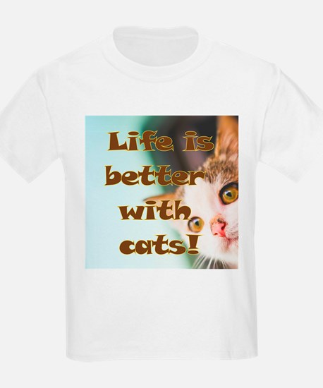 Cool Books%2c cats life is good T-Shirt
