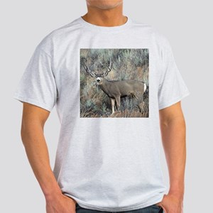 Utah mule deer buck Light T-Shirt