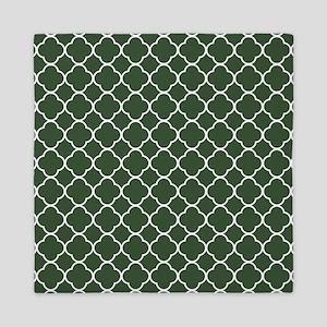 Green, Pine: Quatrefoil Clover Pattern Queen Duvet