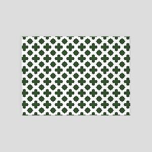 Green, Pine: Quatrefoil Stars & Cro 5'x7'Area Rug
