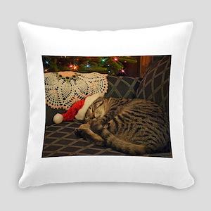 Santa Daisy the cat Everyday Pillow