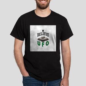 i believe in UFO green T-Shirt