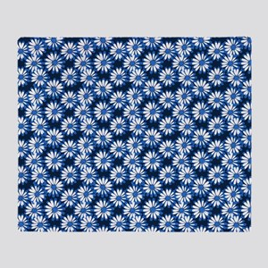 Blue Daisy Floral Pattern Throw Blanket