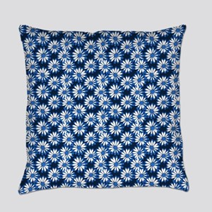 Blue Daisy Floral Pattern Everyday Pillow