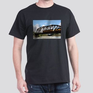 Alaska Railroad locomotive engine & bridge T-Shirt