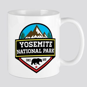 YOSEMITE NATIONAL PARK CALIFORNIA BEAR MOUNTA Mugs