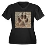 Coyote Track Women's Plus Size V-Neck Dark T-Shirt