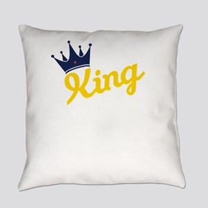king and quen couple Everyday Pillow
