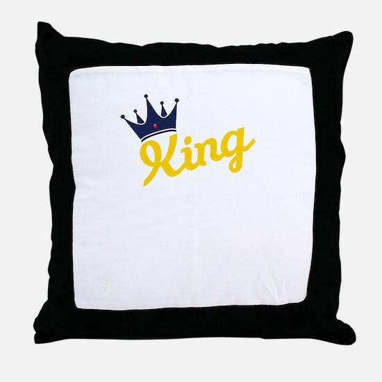 king and quen couple Throw Pillow
