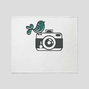 bird photography Throw Blanket