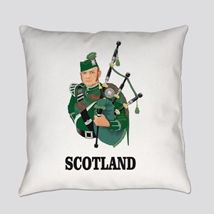 Scotland pipes Everyday Pillow