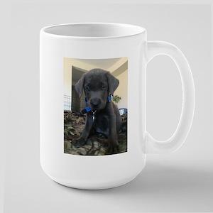 Charcoal labrador case Mugs