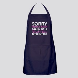 A Smart And Sexy Accountant T Shirt Apron (dark)
