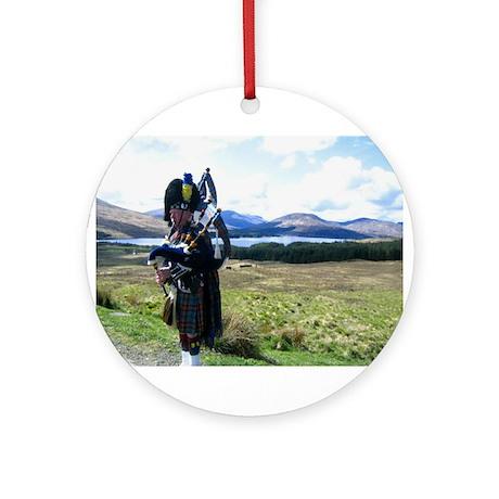 Highlands Ornament (Round)