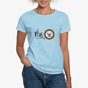 Mrs. Navy Women's Light T-Shirt