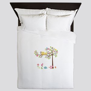 Owl family tree Queen Duvet