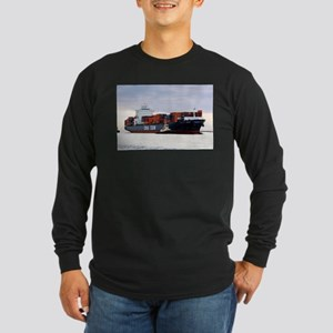 Container cargo ship and tug Long Sleeve T-Shirt