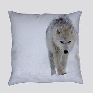 Arctic wolf walking in the snow Everyday Pillow