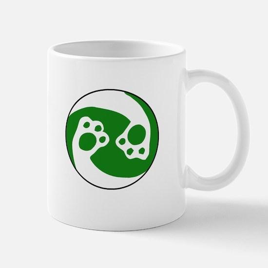 animal paws in a circle symbol - green Mugs