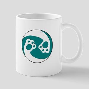 animal paws in a circle symbol - aqua Mugs