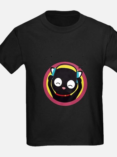Cat with headphones hears music T-Shirt