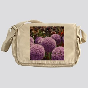 alliums Messenger Bag