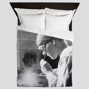 Vintage Woman TIG Welder Queen Duvet