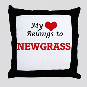My heart belongs to Newgrass Throw Pillow