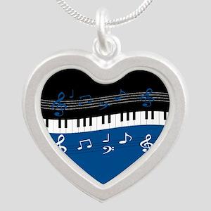 MG4U 006 Silver Heart Necklace