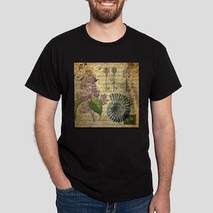vintage skeleton key lilac seashells T-Shirt