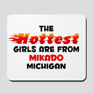 Hot Girls: Mikado, MI Mousepad