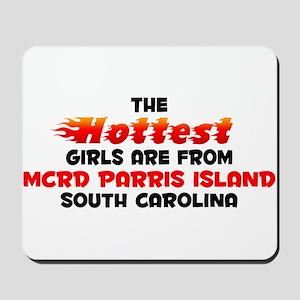 Hot Girls: MCRD Parris , SC Mousepad
