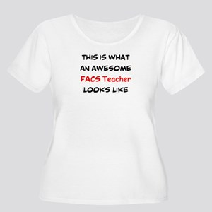 awesome facs Women's Plus Size Scoop Neck T-Shirt