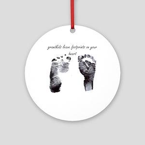 """grandkids leave footprints"" Ornament (Round)"