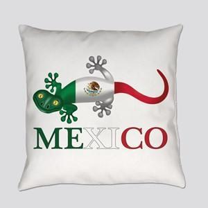 Mexican Gecko Everyday Pillow