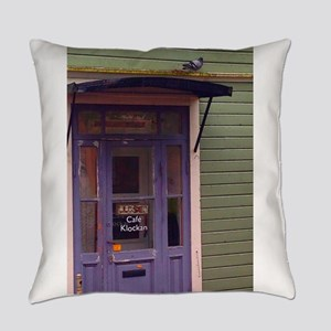 The Pigeon Awaits Everyday Pillow