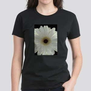 White Shasta Daisy Women's Dark T-Shirt