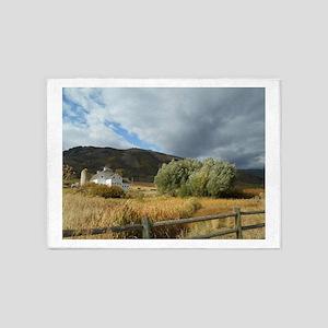 Favorite Barn Photo 5'x7'Area Rug