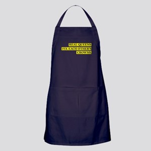 Real Queens Fix Each Other's Crowns Apron (dark)