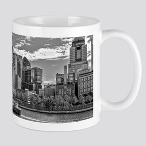 Pittsburgh Skyline (Black&White) Mugs