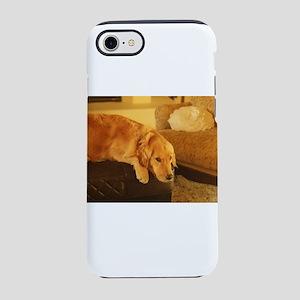 golden retriever relaxing na iPhone 8/7 Tough Case