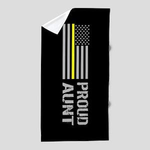 U.S. Flag Yellow Line: Proud Aunt (Bla Beach Towel