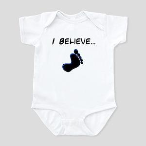 I believe in bigfoot Infant Bodysuit