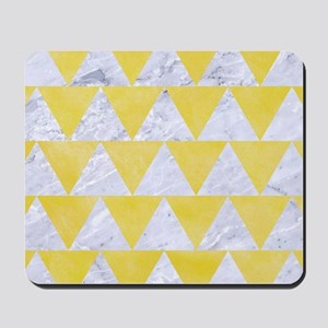 TRIANGLE2 WHITE MARBLE & YELLOW WATERCOL Mousepad
