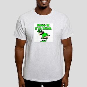 """""""Kiss It I'm Irish"""" Light T-Shirt"""
