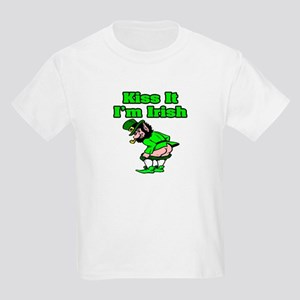 """""""Kiss It I'm Irish"""" Kids Light T-Shirt"""